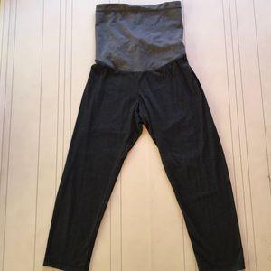 Pants - Maternity Capri leggings